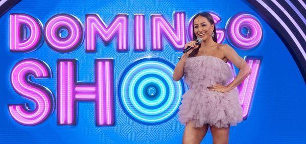 Sabrina Sato é a apresentadora do programa Domingo Show