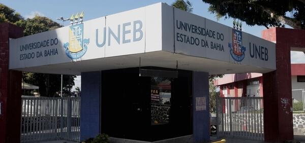 Fachada da Universidade Estadual da Bahia